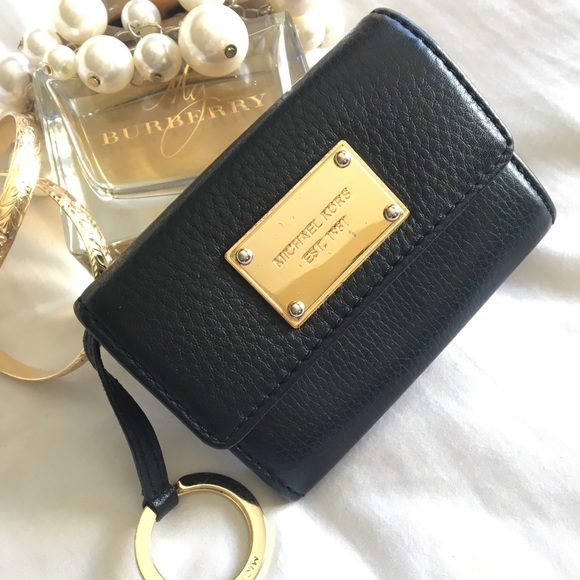 e3323539d01a Michael Kors Black Coin   ID   Key ring Holder. M 5bd119c76197458967679787